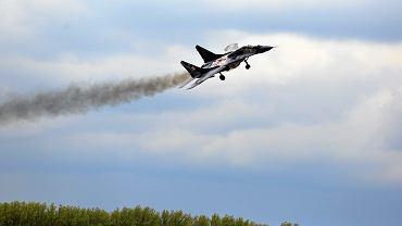 Mig 29 podczas pokazów lotniczych. Dni z Wojskiem Polskim - 15 lecie przystąpienia Polski do NATO. Mińsk Mazowiecki, 10 maja 2014