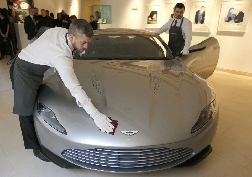 Aston Martin DB10, należący do Jamesa Bonda