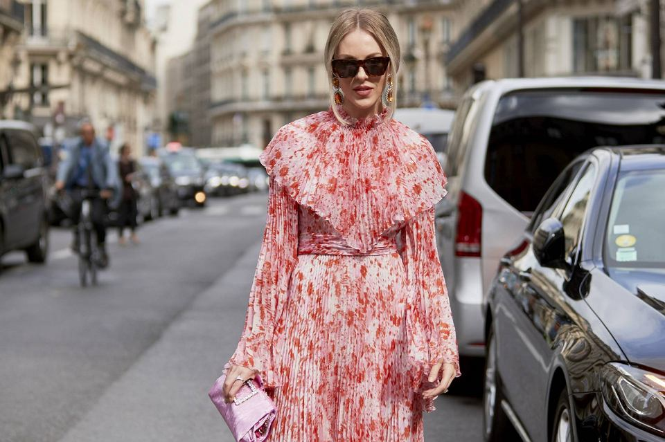 Sukienka z długim rękawem na wiosnę