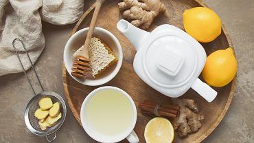 Domowe sposoby na przeziębienie, czyli co z domowej spiżarki może okazać się pomocne.