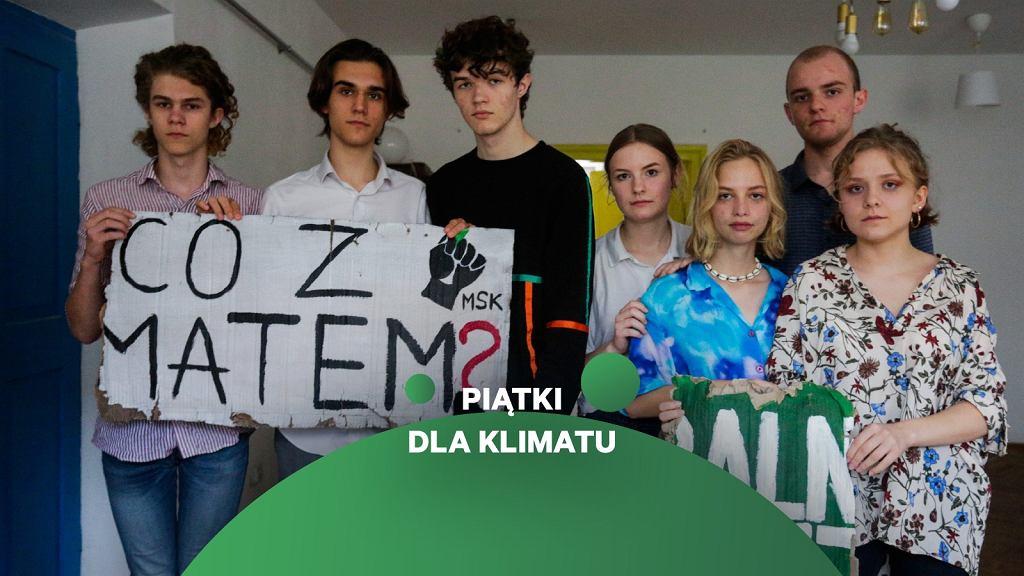 Kraków. Działacze Młodzieżowego Strajku Klimatycznego, którzy byli atakowani podczas wiecu wyborczego Andrzeja Dudy