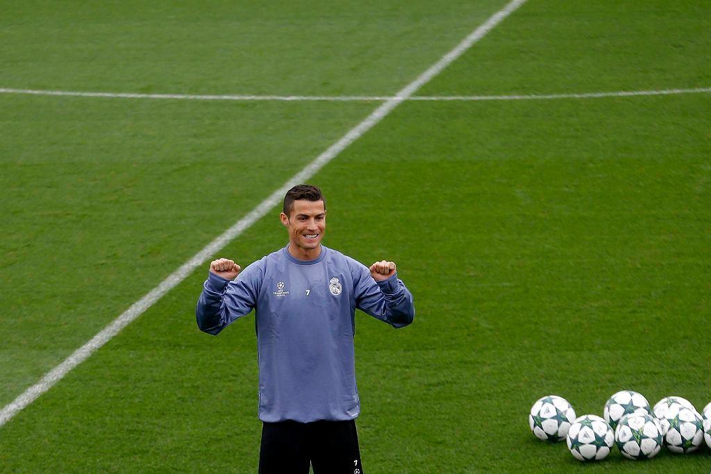 Cristiano Ronaldo podczas poniedziałkowego treningu Realu  / FRANCISCO SECO/AP