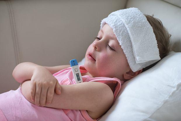 Jak zbić gorączkę u dziecka? Domowe sposoby i leki