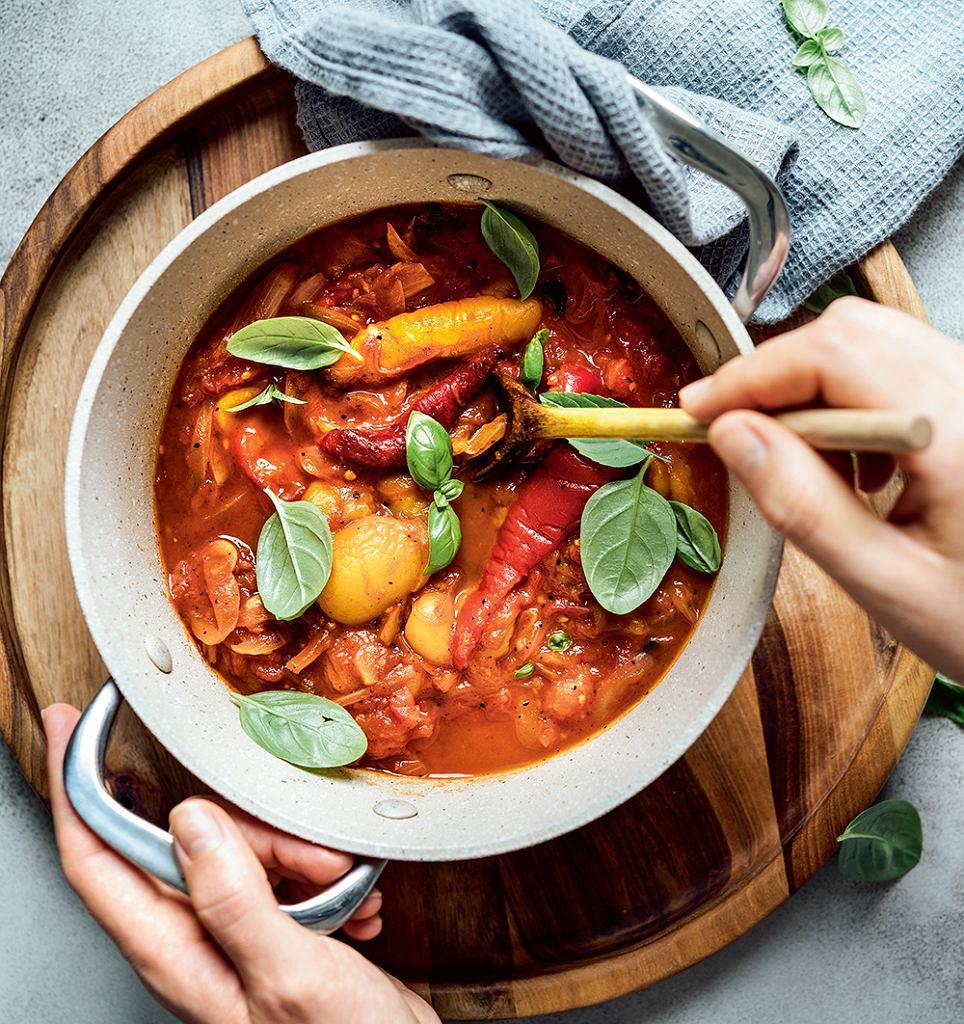 Klasyczna pomidorowo-paprykowa peperonata