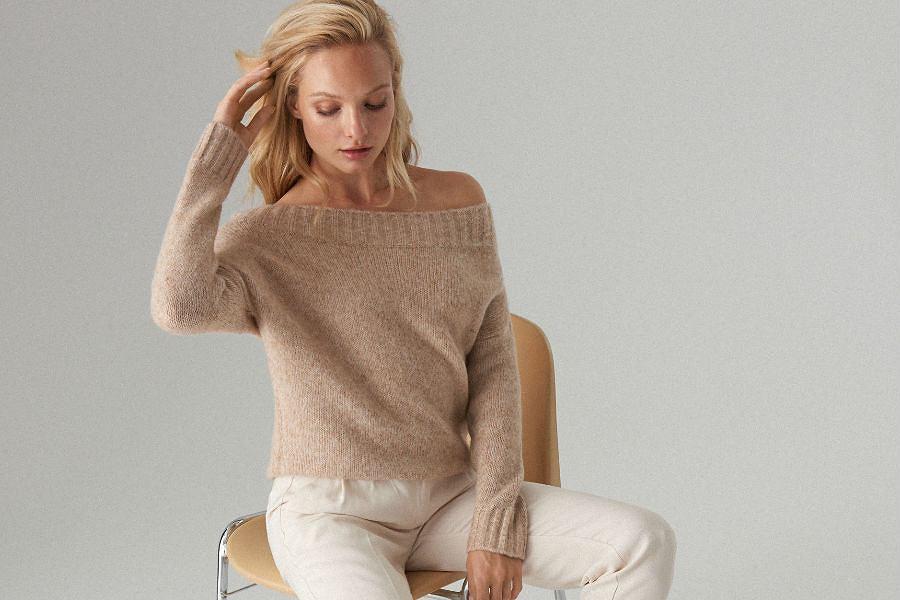Swetry z sieciówek pod szyję