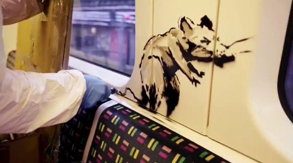 Banksy znowu uderzył. Pokazał się w nagraniu z londyńskiego metra