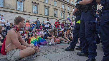 Krakowskie Przedmiescie, 7 sierpnia 2020. Blokada aresztowania aktywistki LGBT