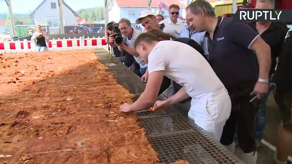 Największy kotlet na świecie został przyrządzony w Mengkofen w Bawarii