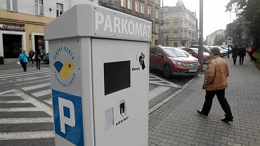Do końca sierpnia Miejski Zarząd Ulic i Mostów w Katowicach zakończy modernizację78 innych parkomatów, tak żeby też można było płacić w nich kartą