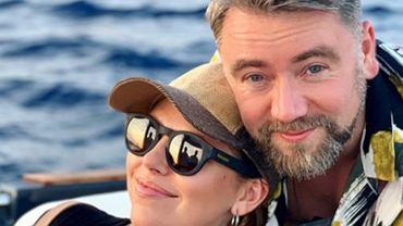 """Aleksandra Kwaśniewska świętuje ósmą rocznicę ślubu z Kubą Badachem. Pochwaliła się sesją w fotobudce. """"Niezaprzeczalnie atrakcyjni"""""""