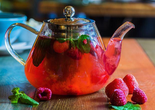 Herbata z liści malin. Czy mogą ją pić kobiety w ciąży?