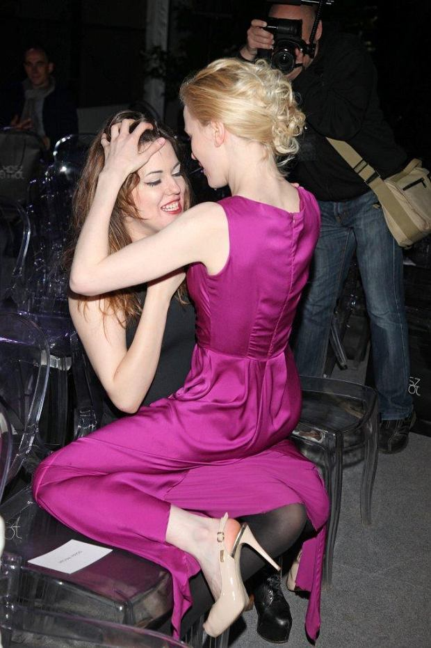 Joanna Majstrak całuje się z kobietą