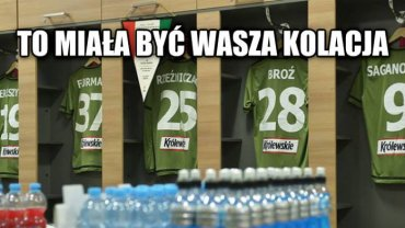 Legia przegrała w kepskim stylu, Lech w niezłym, internauci nie mają litości zwłaszcza dla stołecznej jedenastki, choć przecież zawsze znajdzie się powód by pośmiać się z... Macieja Skorzy!