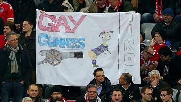Transparent na meczu Bayern  - Arsenal