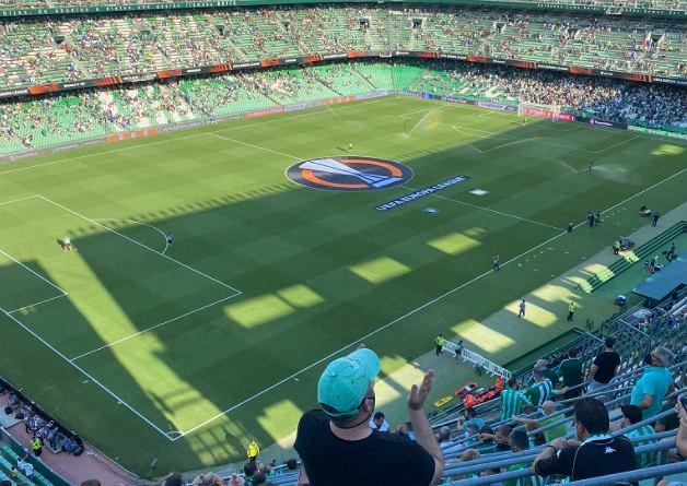 Fan Celticu dostał się niepostrzeżenie na stadion