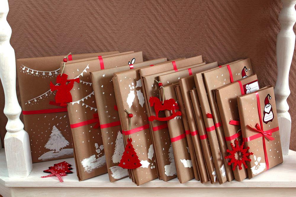Książki na prezent świąteczny to zawsze doskonały wybór. Zdjęcie ilustracyjne