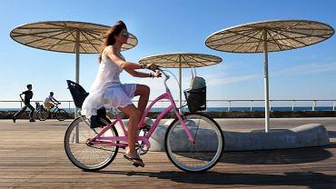Rowerem przez Tel Awiw/ Fot. Shutterstock