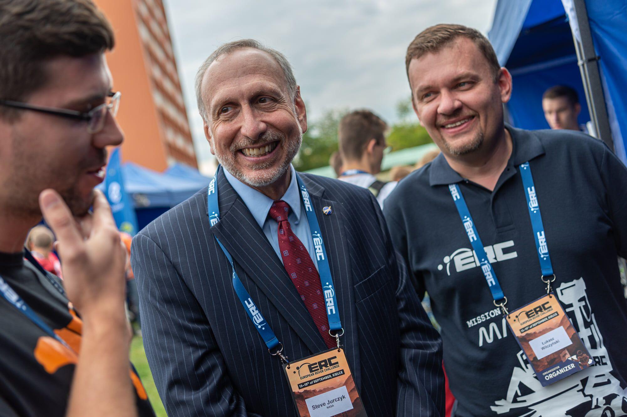 Łukasz Wilczyński oraz Steve Jurczyk, główny cywilny administrator NASA, który przyjechał na ERC w 2019 roku (fot: materiały archiwalne)