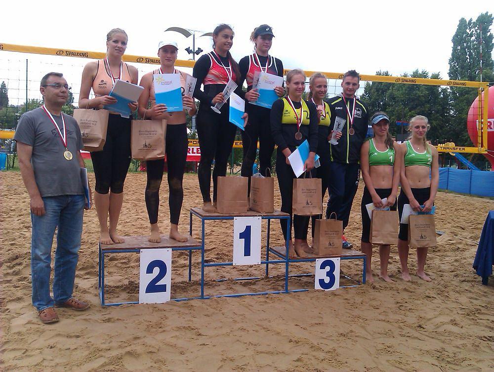 Medalistki mistrzostw Polski w siatkówce plażowej juniorek