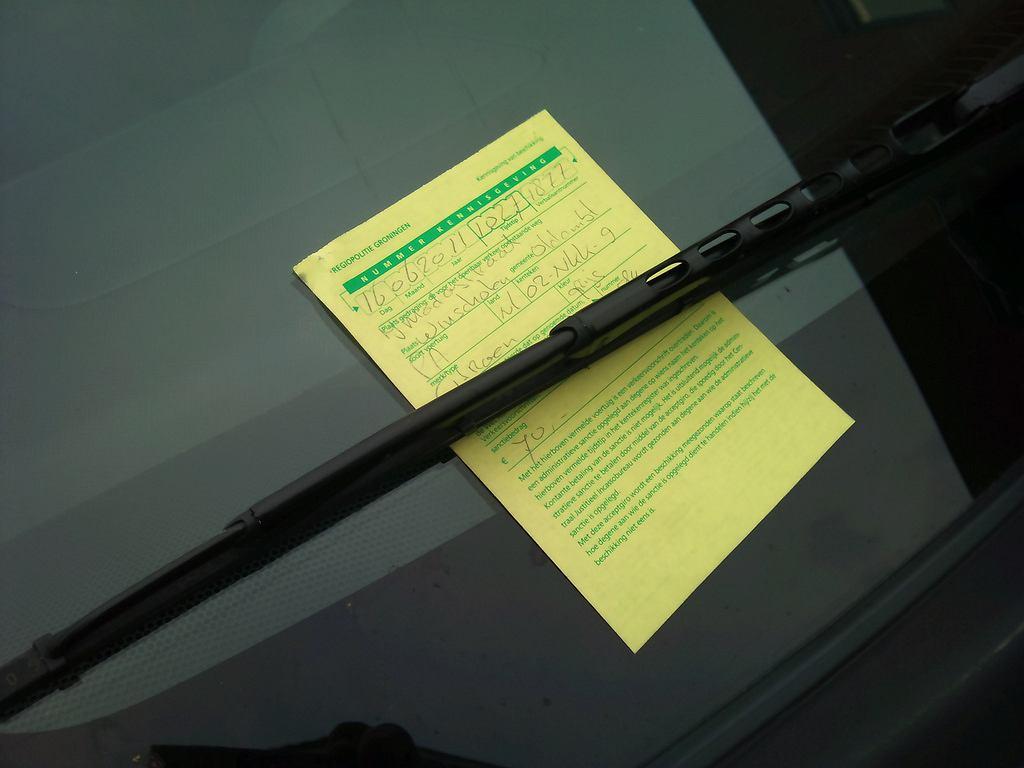 Będą wyższe mandaty za niechlujne parkowanie?