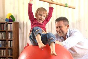 """Fizjoterapeuta: """"Rodzice, zanim poślecie dziecko na aikido i inne dodatkowe zajęcia, dajcie dziecku przestrzeń do wyszalenia się"""" [WYWIAD]"""