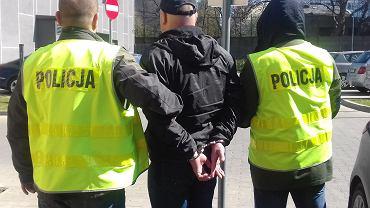 Kibic zatrzymany w sprawie wtargnięcia na murawę stadionu 14 kwietnia 2019 roku