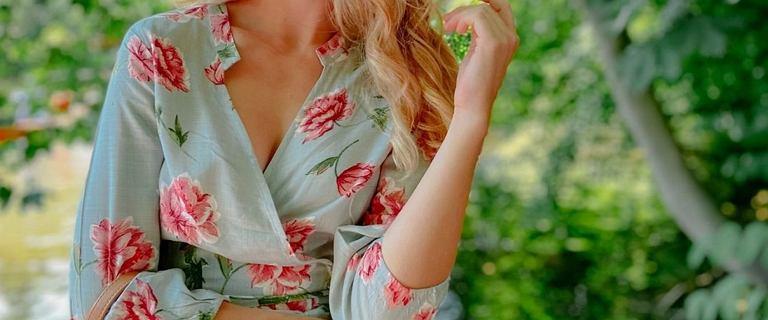 Top 18 sukienek w kwiaty Bonprix. Są piękne i niedrogie! Wiele modeli w rozmiarach plus size