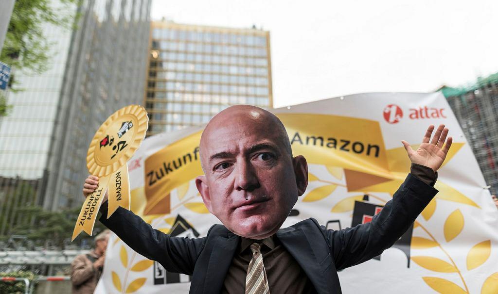 Jeffa Bezosa przywitali w Berlinie protestujący pracownicy jego firmy Amazon