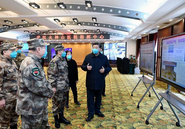 Prezydent Chin Xi Jinping podczas wizyty w Wuhan.
