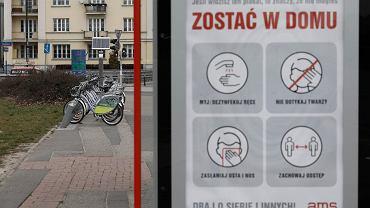 Pandemia koronawirusa. Stacja rowerów miejskich Veturilo tymczasowo zamknięta od pierwszego kwietnia, na podstawie rozporządzenia Rady Ministrów z dnia 31.03.2020 (w związku walką z pandemią). Warszawa, 2 kwietnia 2020