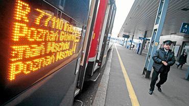 Koronawirus (zdjęcie ilustracyjne). W pociągach obowiązuje noszenie maseczek w czasie pandemii
