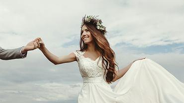Suknia ślubna- sprawdź, który model wybrać. Zdjęcie ilustracyjne