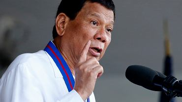 Prezydent Filipin oświadcza: Byłem gejem, ale się uzdrowiłem. Pomogły mi piękne kobiety