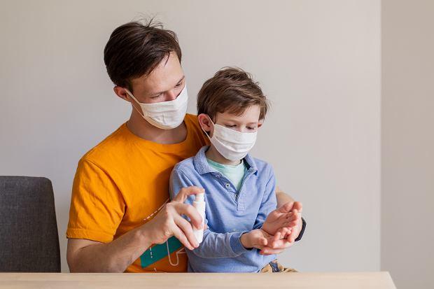Dzieci nie zarażają koronawirusem dorosłych? Zaskakujące ustalenia lekarzy