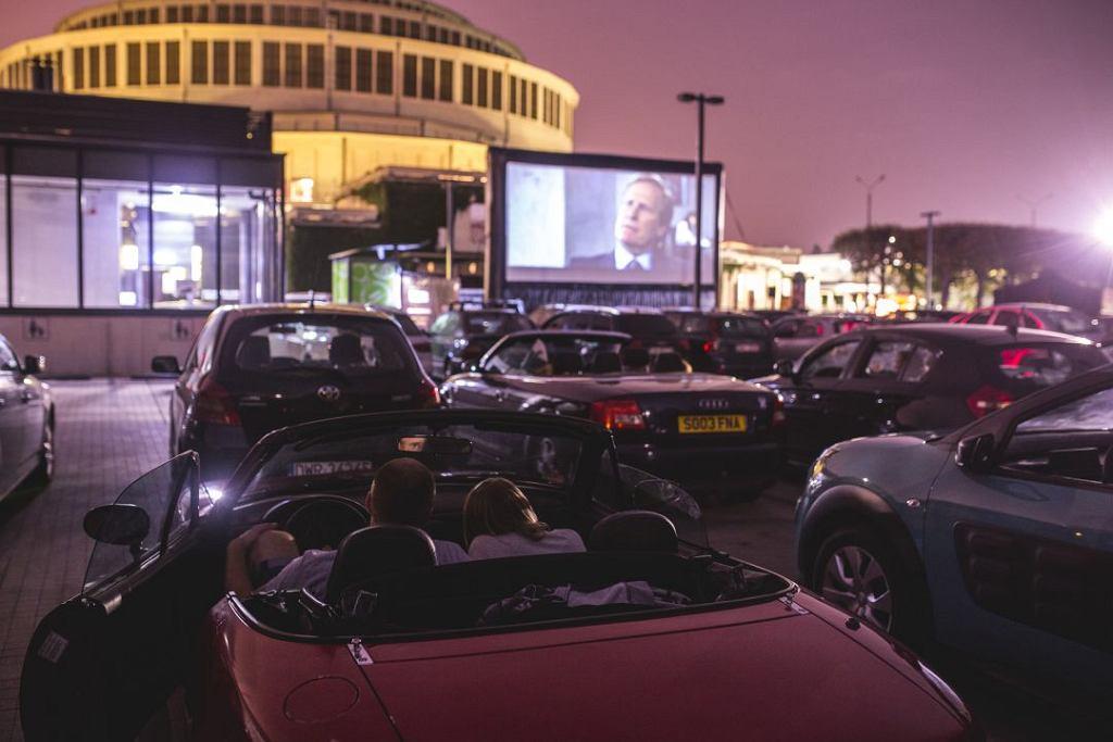 Kino samochodowe przy Hali Stulecia we Wrocławiu