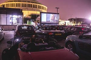 Chcą zorganizować kino samochodowe w Bydgoszczy. Cena? 20-30 zł za samochód