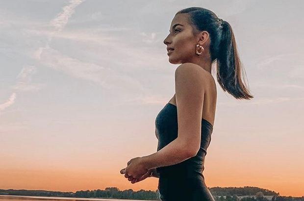 Julia Wieniawa jest najgorętszym nazwiskiem polskiego show-biznesu. Nic dziwnego, że fani śledzą każdy jej ruch. Na jednym z ostatnich zdjęć gwiazdy doszukali się ingerencji Photoshopa.