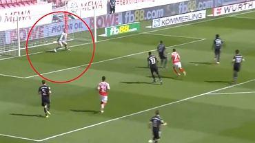 Fatalny błąd Manuela Neuera w meczu Mainz - Bayern Monachium