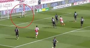 """Rywal zaskoczył Neuera. """"Takiego błędu w jego wykonaniu dawno nie widzieliśmy"""" [WIDEO]"""