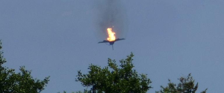 Niemieckie myśliwce zderzyły się w powietrzu. Piloci katapultowani