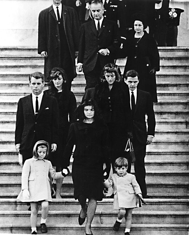 24.11.1963, Pogrzeb Johna F. Kennedy'ego. Robert F. Kennedy, Patricia Lawford, Caroline Kennedy, Jacqueline Kennedy, John F. Kennedy