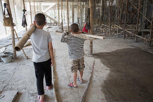 UNICEF alarmuje o niepokojącym skutku pandemii: Liczba wykorzystywanych dzieci wzrośnie