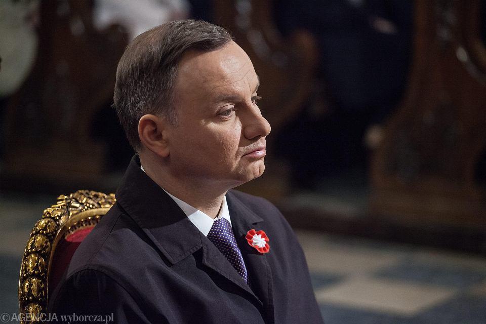Andrzej Duda podczas mszy świętel w warszawskiej archikatedrze.
