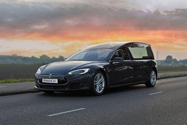 Tesla Model S karawan