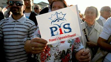 20.08.2015 r., Lublin, plac Litewski. Spotkanie Beaty Szydło, kandydatki PiS na premiera, z wyborcami PiS.
