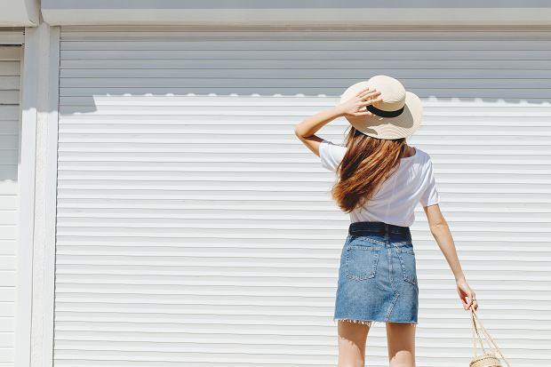 JAKIE BLUZKI DO MINI SPÓDNICZKI Poradnik Kobiety