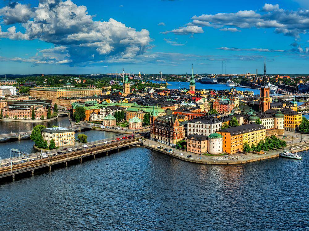 Widok z wieży ratuszowej na Gamla Stan, czyli sztokholmskie stare miasto.