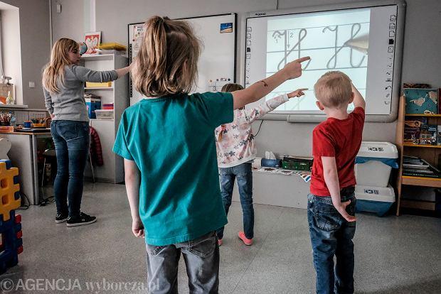 Koronawirus wśród dzieci sześć razy rzadziej niż u ogółu populacji. Najnowsze badania
