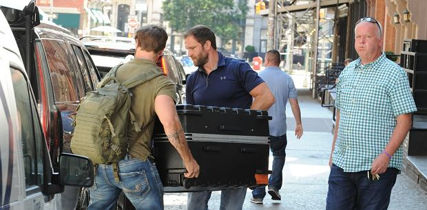 Taylor Swift w walizce