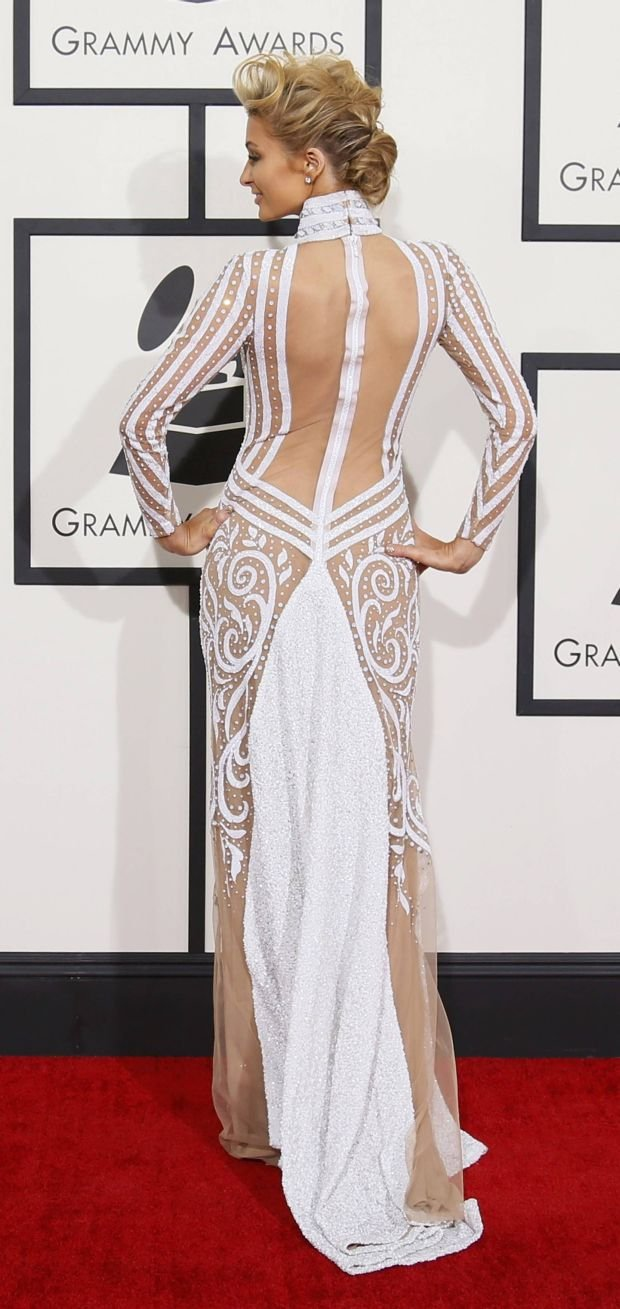 Paris Hilton arrives at the 56th annual Grammy Awards in Los Angeles, California January 26, 2014.     REUTERS/Danny Moloshok (UNITED STATES TAGS: ENTERTAINMENT) (GRAMMYS-ARRIVALS)